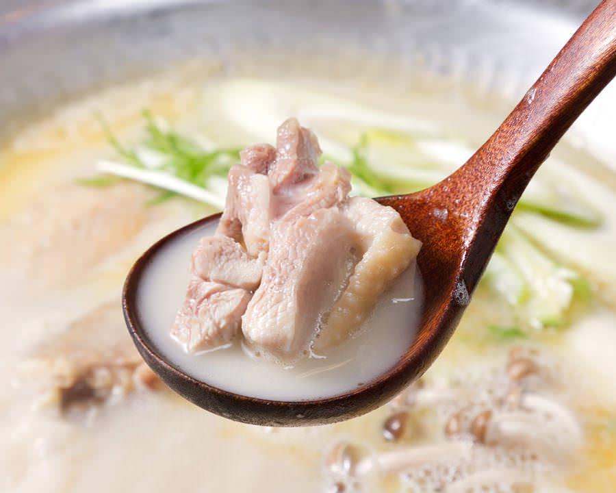 とりいちず酒場 鶴見東口店で味わえるコラーゲンたっぷり鍋